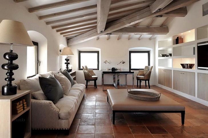 Мансарда в стиле шале - доказательство того, что деревенский стиль может быть элегантным и роскошным. Правильно подобранные элементы декора делают атмосферу комнаты уютной и комфортной.