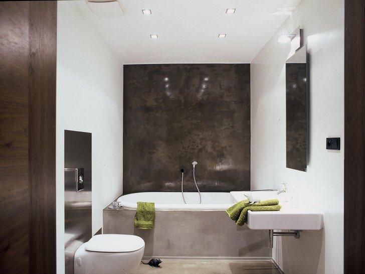 Светлые и темные оттенки коричневого - традиционное решение для оформления ванной в модерн стиле. Небольшая ванная не перегружена лишними деталями.
