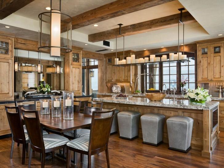Романтическая атмосфера царит на кухне. Удобное зонирование кухни на обеденную зону и рабочую делает пространство практичным и функциональным.