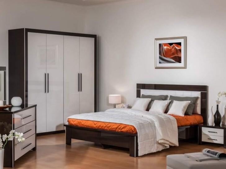 Любители классики все чаще отдают свое предпочтение цвету венге, когда речь идет об оформлении интерьера спальни.