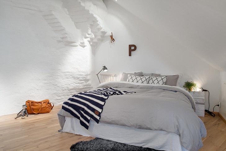 Спальная комната в скандинавском стиле в загородном доме в Подмосковье.