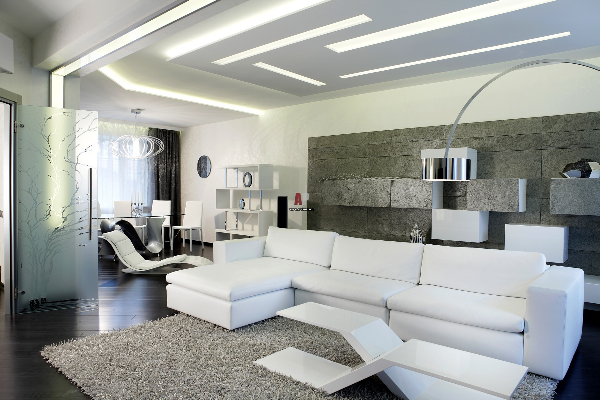 Белый интерьер гостей комнаты в минималистическом стиле примечателен современным, смелым дизайном с нотками хай-тек.