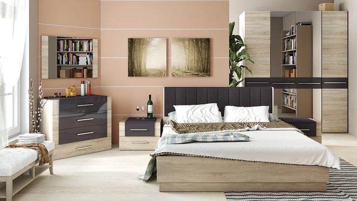 Комбинирование цветов в создании мебели не новшество. Светлые оттенки дерева гармонично сочетаются с темными элементами.