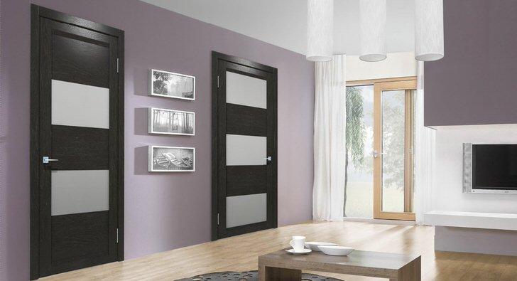 Межкомнатные двери изготовлены в одном стилистическом направлении - в стиле модерн.
