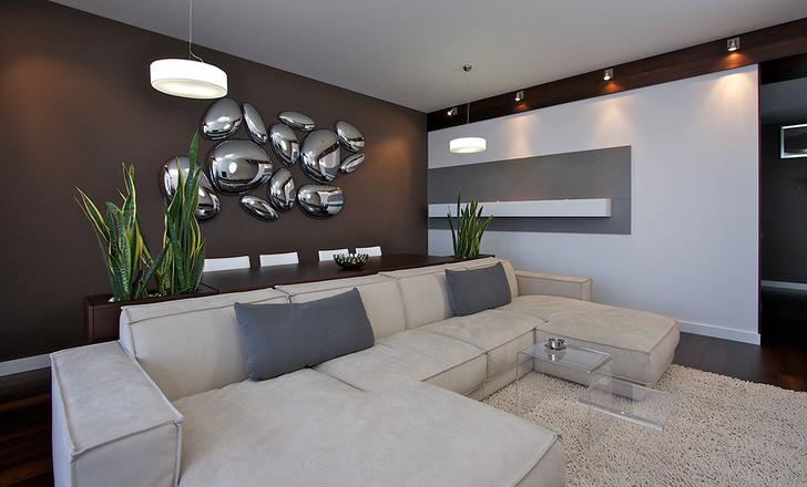 Имитация капель жидкого металла на стене стала одним из декоративных элементов в стиле хай тек.