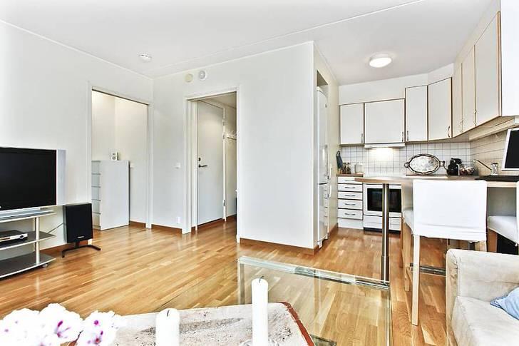 Креативное решение для однокомнатной квартиры-студии.