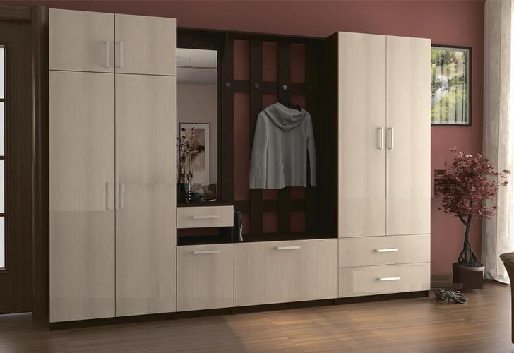 """Классический дизайн модели прихожей """"Машенька"""" считается наиболее популярным образцом модульной мебели."""