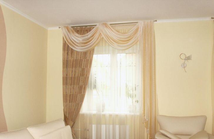 Неброская цветовая гамма выигрышно смотрится в комнате для отдыха гостей.