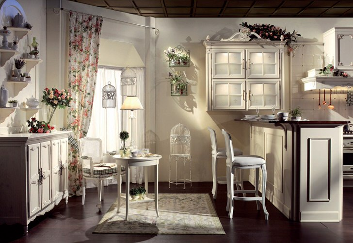 Кухня в доме молодой испанки.
