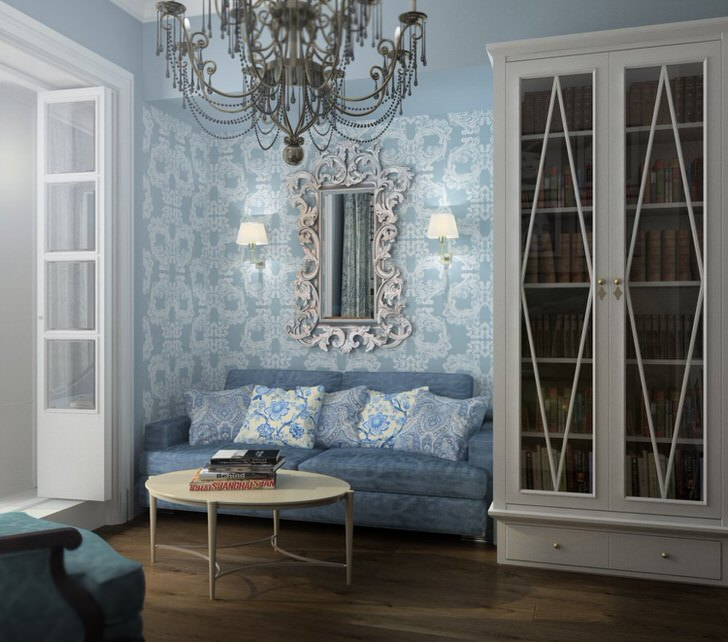 """""""50 оттенков голубого"""" для гостевой комнаты в французском стиле. Примечательным декоративным элементом становится зеркало в фигурном обрамлении."""