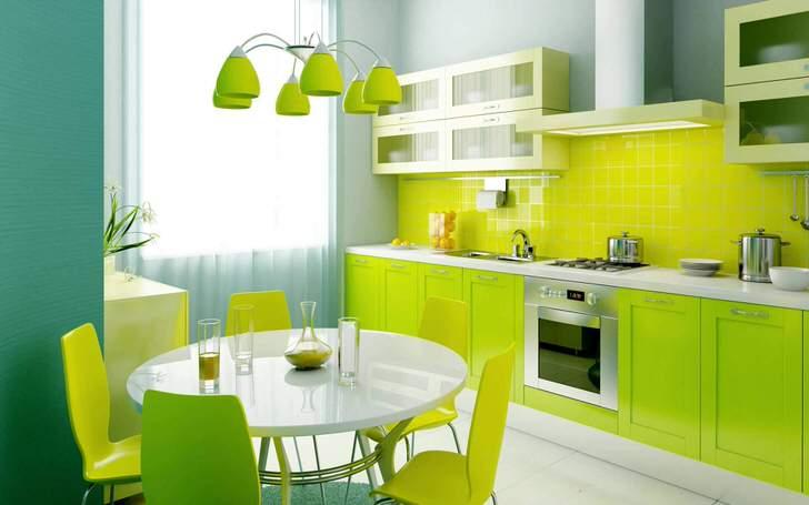 Свежий, насыщенный оттенок зеленого цвета - отличный выбор для оформления небольшой кухни.