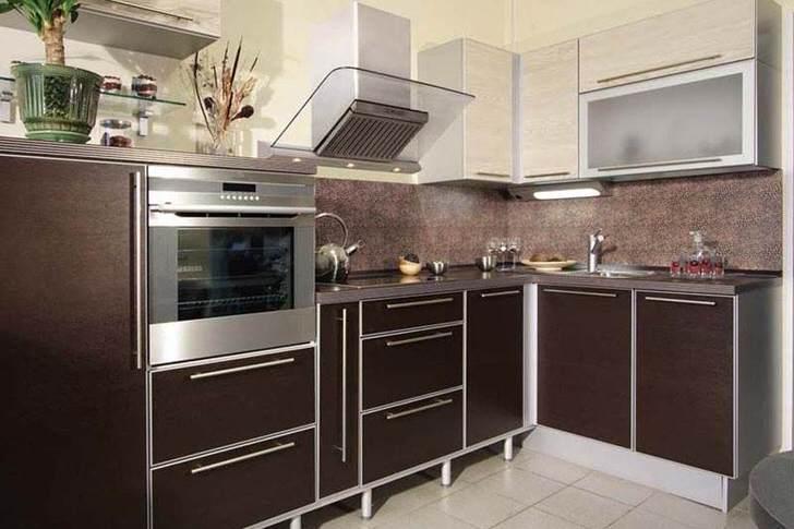 Функциональный гарнитур для кухни