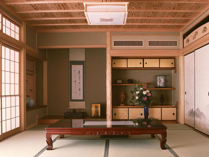 Стиль японский минимализм примечателен использованием для организации интерьера натуральных отделочных материалов.