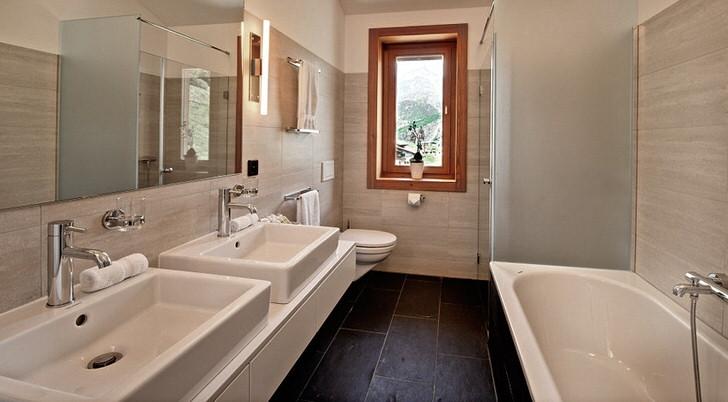 Функциональный шале для организации интерьера ванной комнаты - выгодное решение для людей, которые любят отдыхать от суеты большого города.