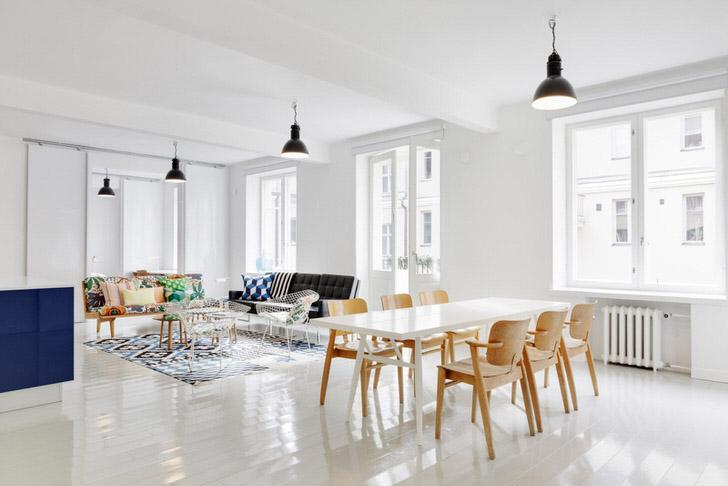 """Скандинавский стиль """"любит"""" простую незамысловатую мебель. Особенно идеально в интерьере смотрится мебель из светлых пород дерева."""