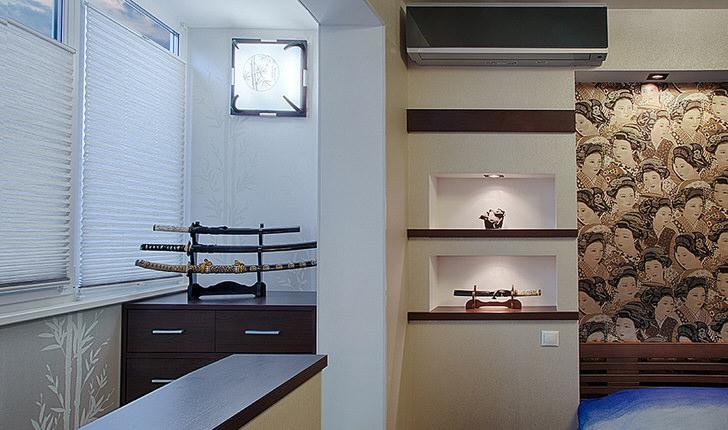 Отличным декоративным украшением комнаты в стиле японский минимализм является японский меч. Не обязательно приобретать настоящее боевое оружие, достаточно простого муляжа.