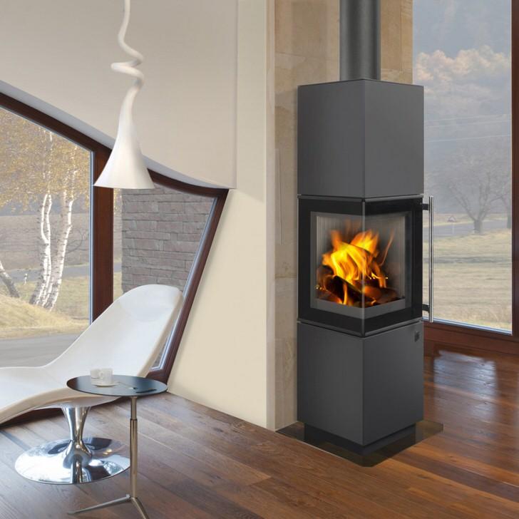Все чаще печь-камин длительного горения становится неотъемлемой частью интерьера загородных домов. Изысканный, строгий дизайн камина органично вписывается в интерьер любого стиля.
