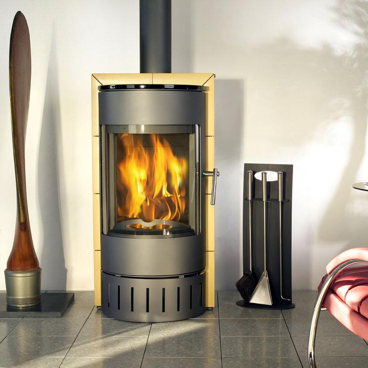 Изразцовая печь-камин длительного горения - изюминка любого интерьера.