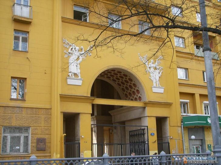 Русский ампир стал одним из самых популярных направлений в архитектуре.