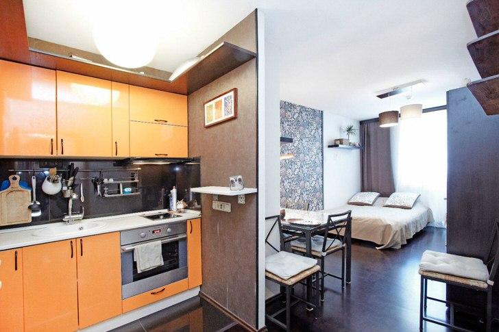 Квартира-студия площадью 40 кв м оформлена в современном стиле. Функциональный, практичный дизайн идеален для малогабаритных квартир.