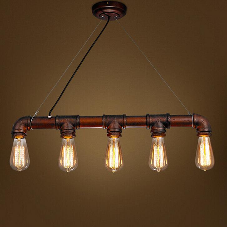 Светильник на пять ламп идеально подойдет для оформления кухни в стиле лофт.