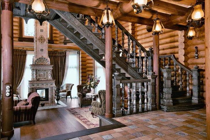 Роскошная гостиная в деревенском стиле в загородном особняке в Германии.