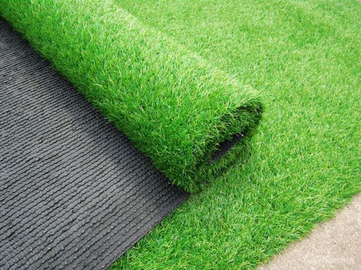 Основное требование при укладке искусственного газона - идеально ровная и достаточно упругая площадка под газон.