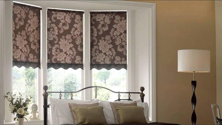 Подъёмные римские шторы могут крепиться к оконному проёму, потолку, стене и определённой части рамы окна.