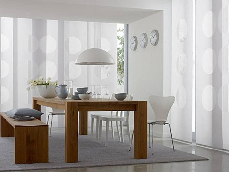 Использование японских штор применяется дизайнерами для интерьеров в стиле минимализм и хай-тек.